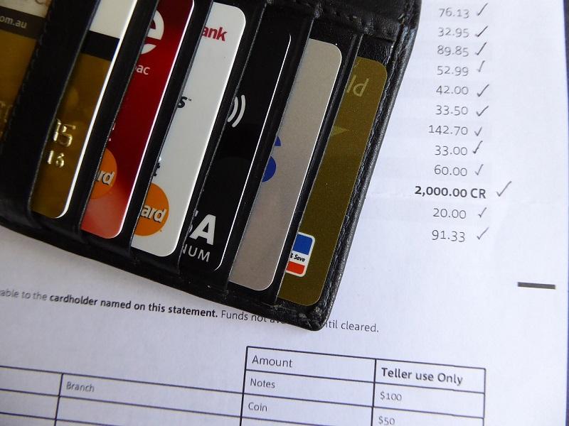 Odpiranje bančnega računa v tujini